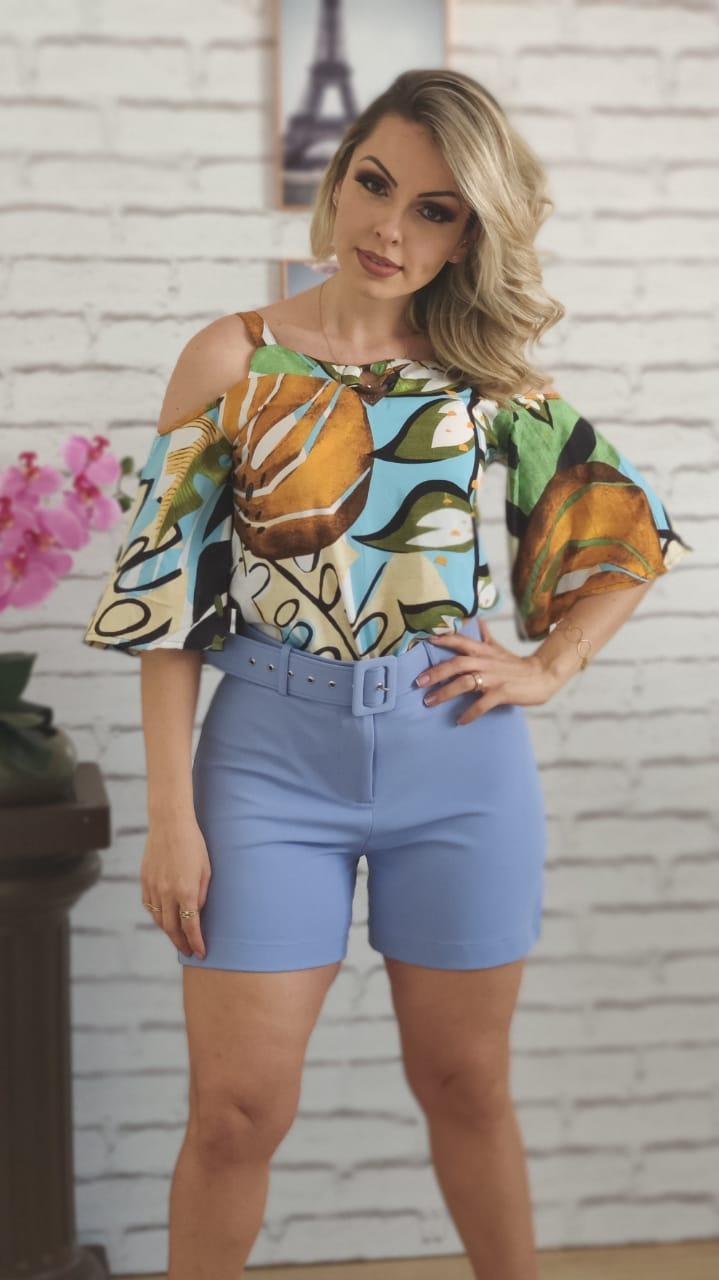 Blusa Ciganinha Argola Frontal Estampada Azul + Shorts com Cinto Encapado Azul