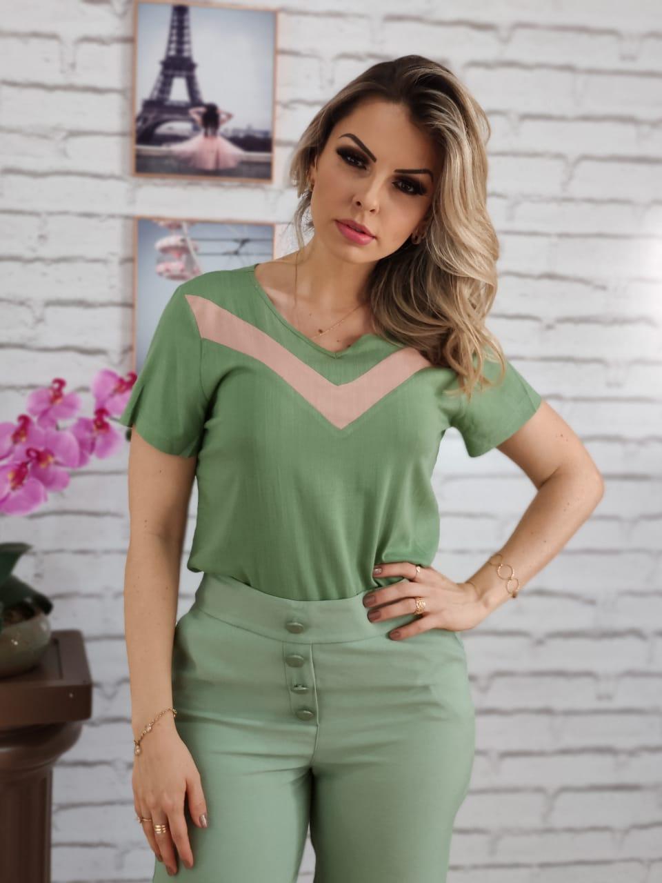 Blusa Manga Curta Listra Colo Verde com Rose