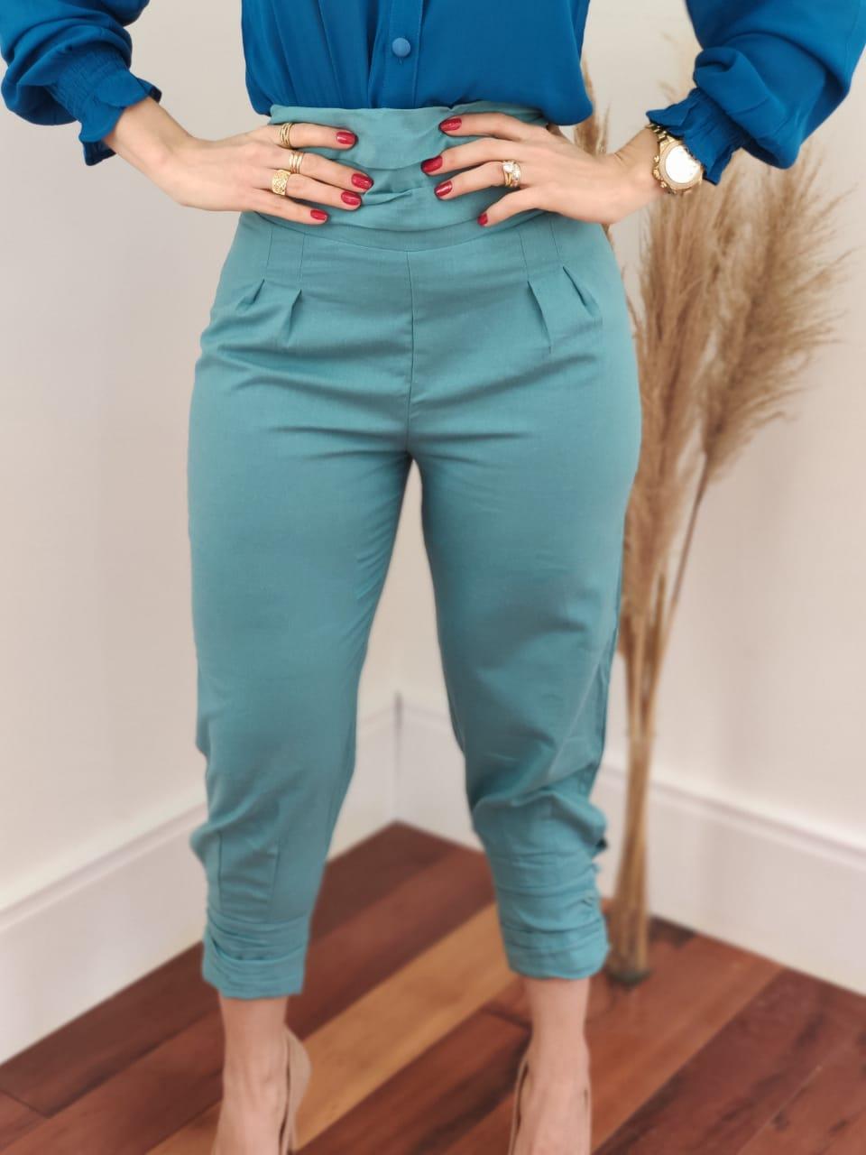 Calça Skinny em Linho Botões Barra Azul