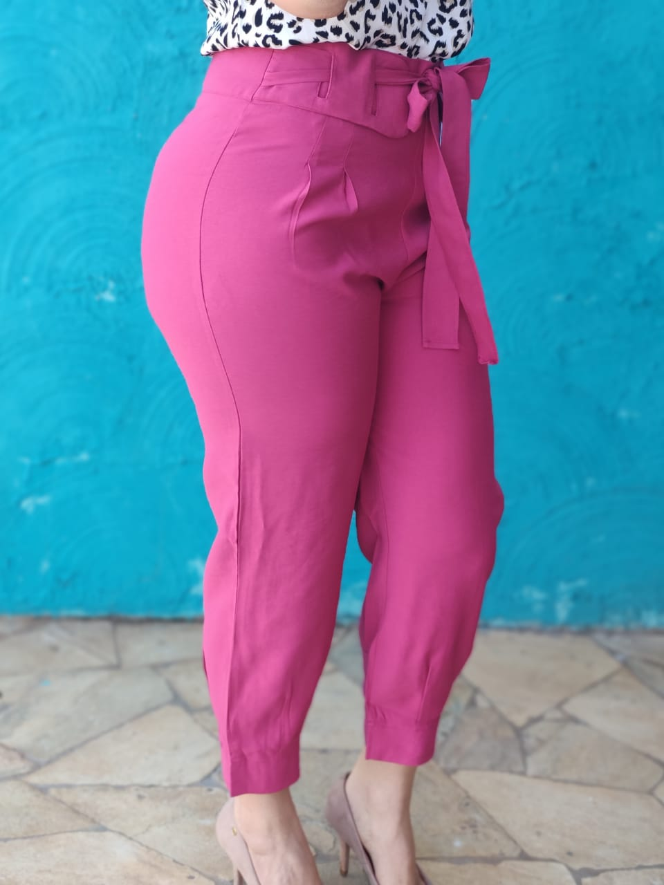 Calça Skinny Detalhe em Cinto Rosa