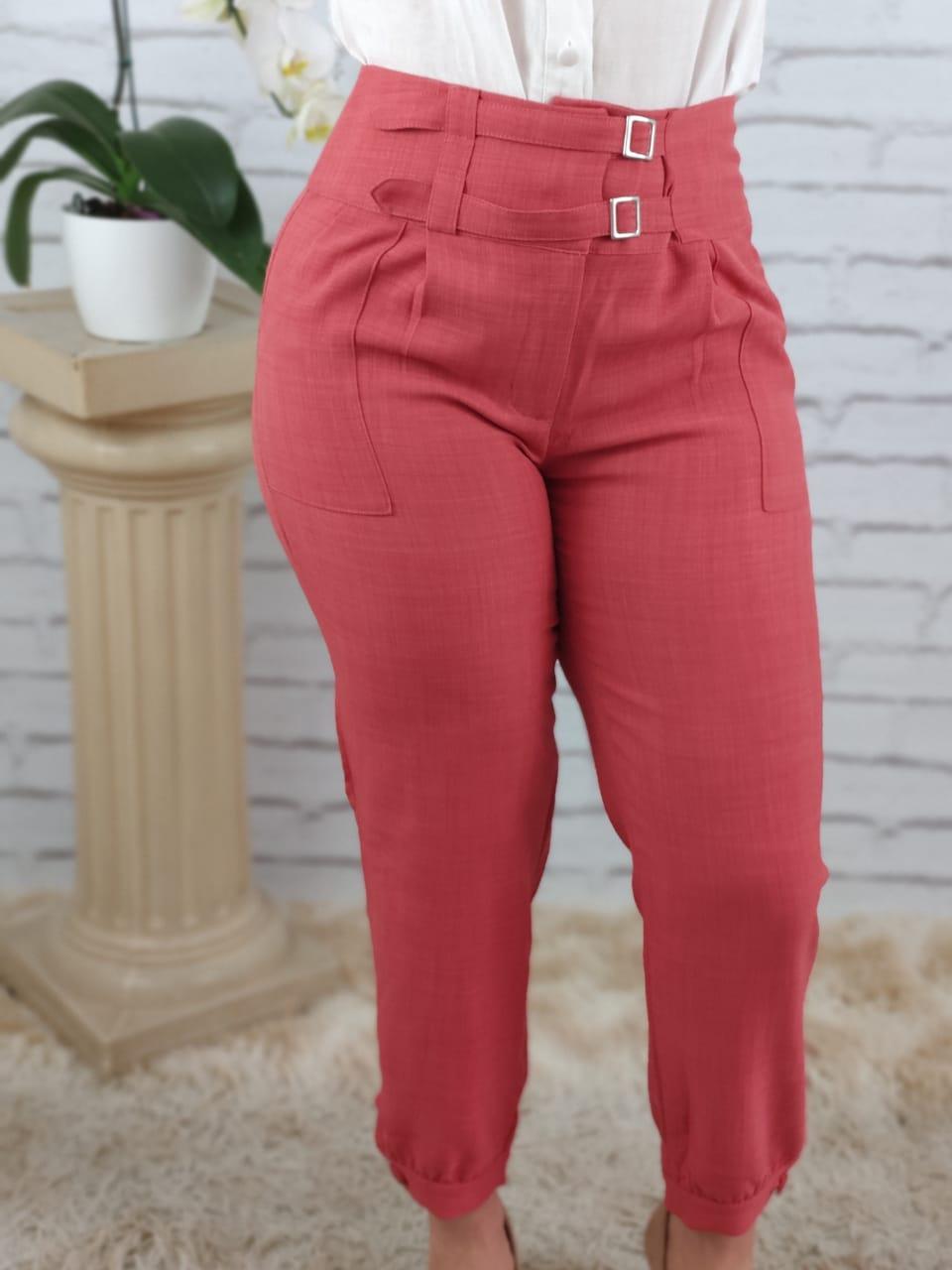 Calça Skinny Detalhe Fivelas Frontais Rosa