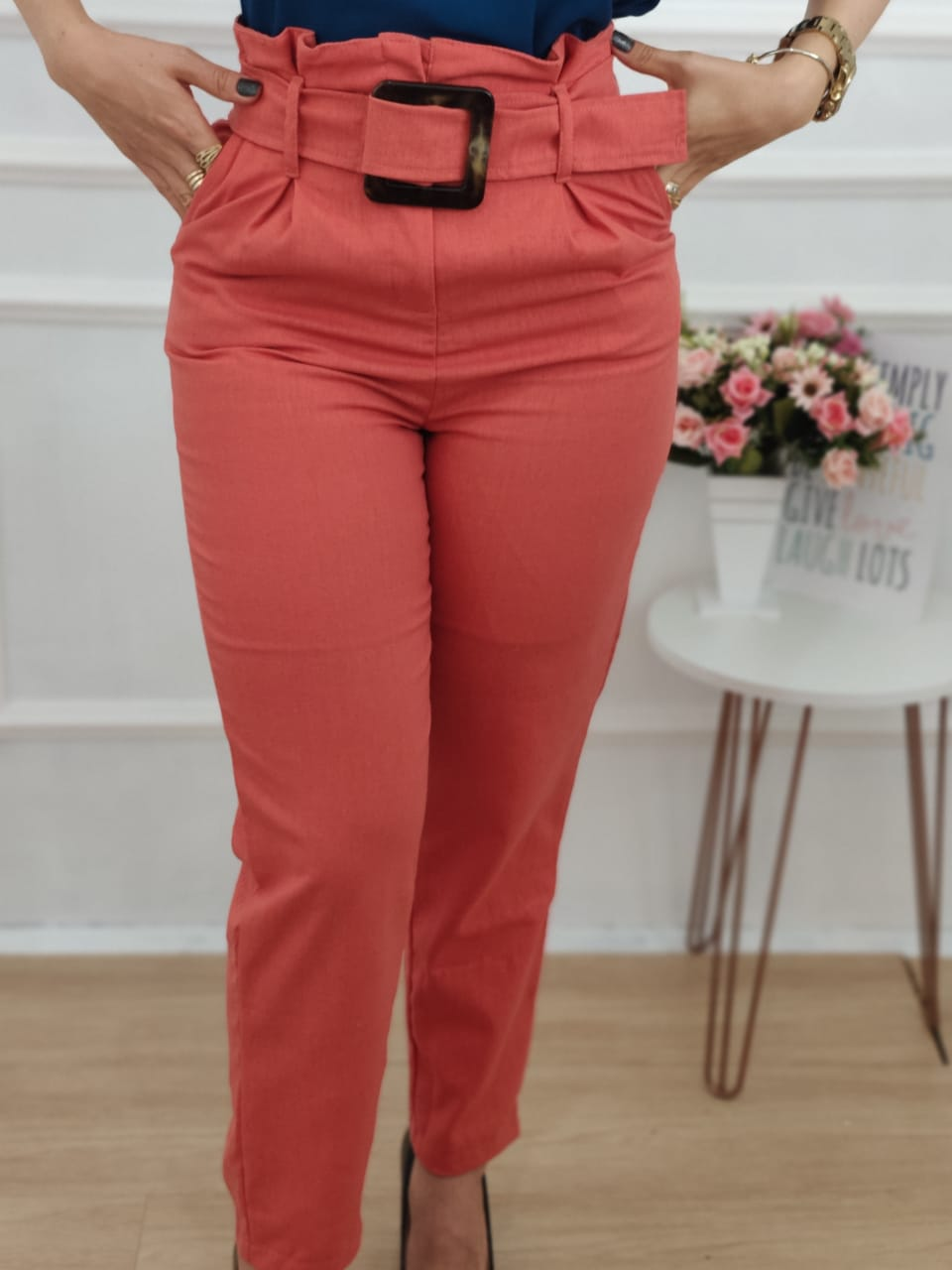Calça Skinny em Linho Detalhe Cinto Laranja