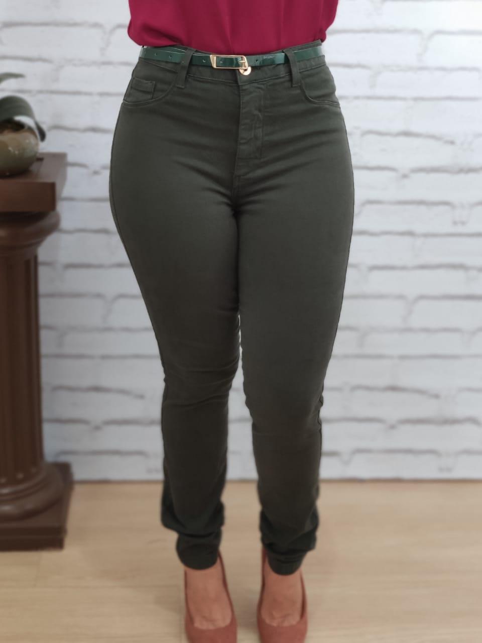 Calça Skinny em Sarja Cinto Verde