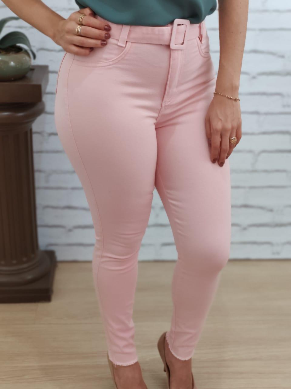 Calça Skinny em Sarja Rosa