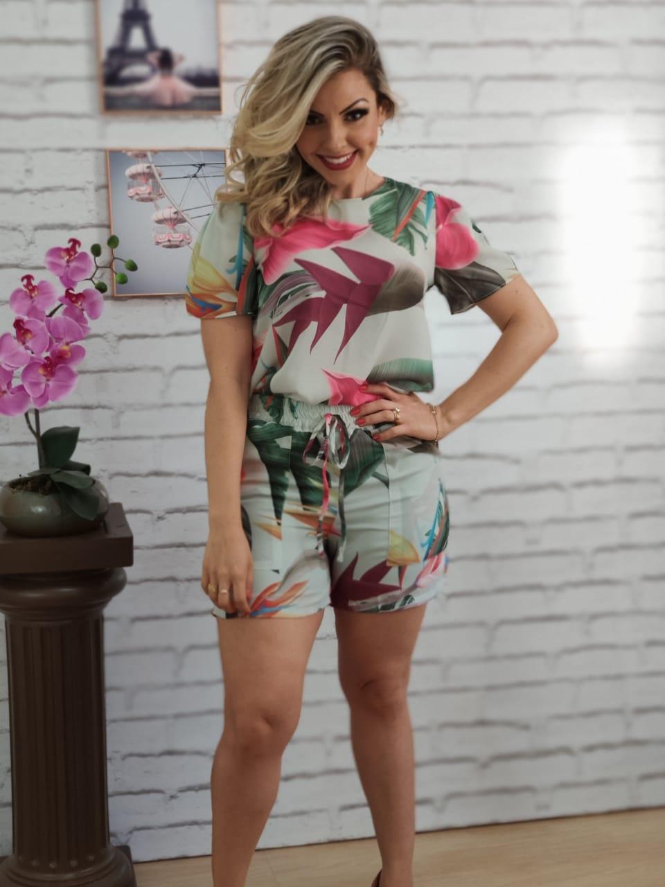 Conjunto Blusa + Shorts Estampado Verde