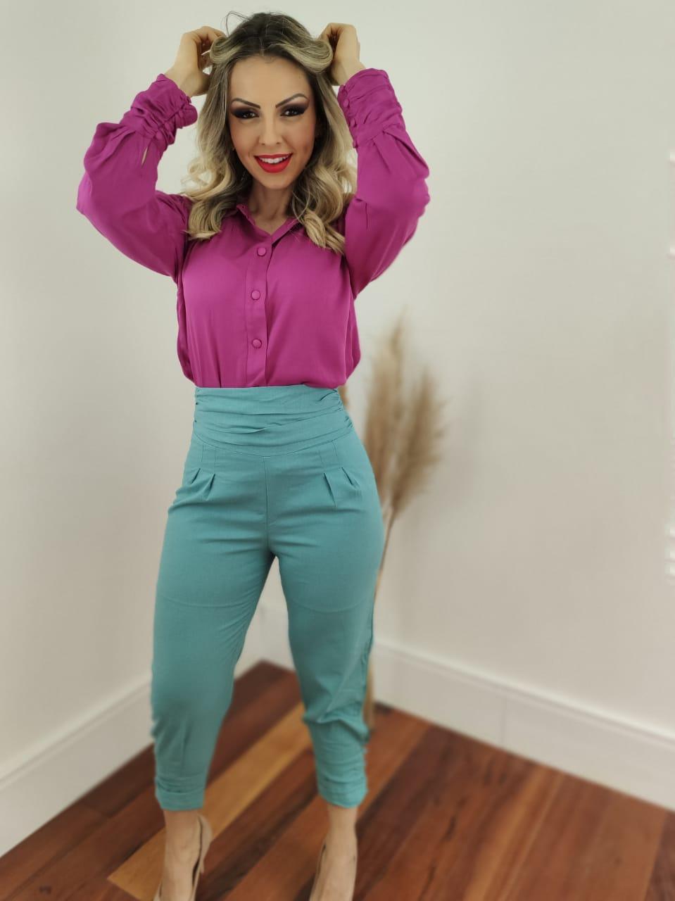 Look: 1 Camisa Manga Longa Viscose Botões Punho Pink + 1 Calça Skinny em Linho Botões Barra Azul