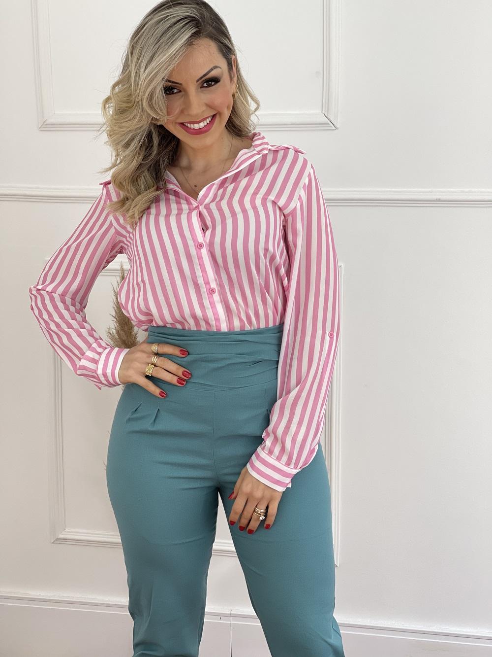 Look Pronto: Camisa Manga Longa Listras Pink + Calça Skinny em Linho Botões Barra Azul