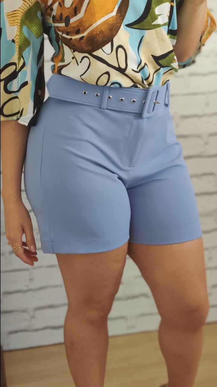 Shorts com Cinto Encapado Azul