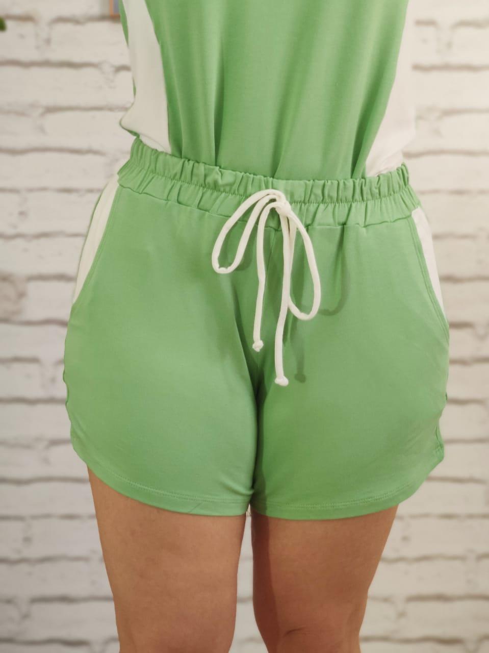 Shorts Conjunto Detalhe Listra Lateral Verde