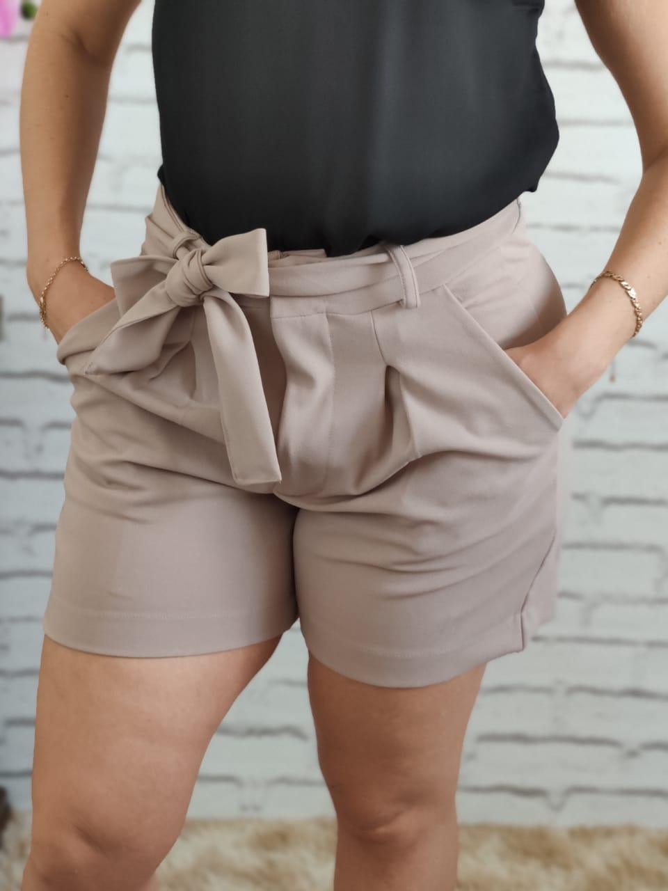 Shorts Laço Bege