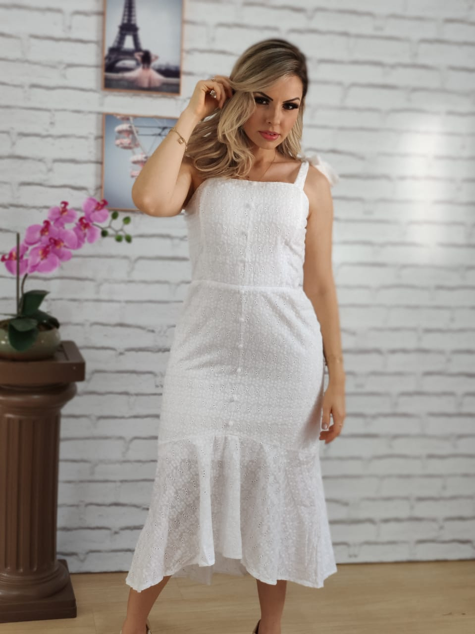 Vestido Midi em Laise Laço Alça Branco