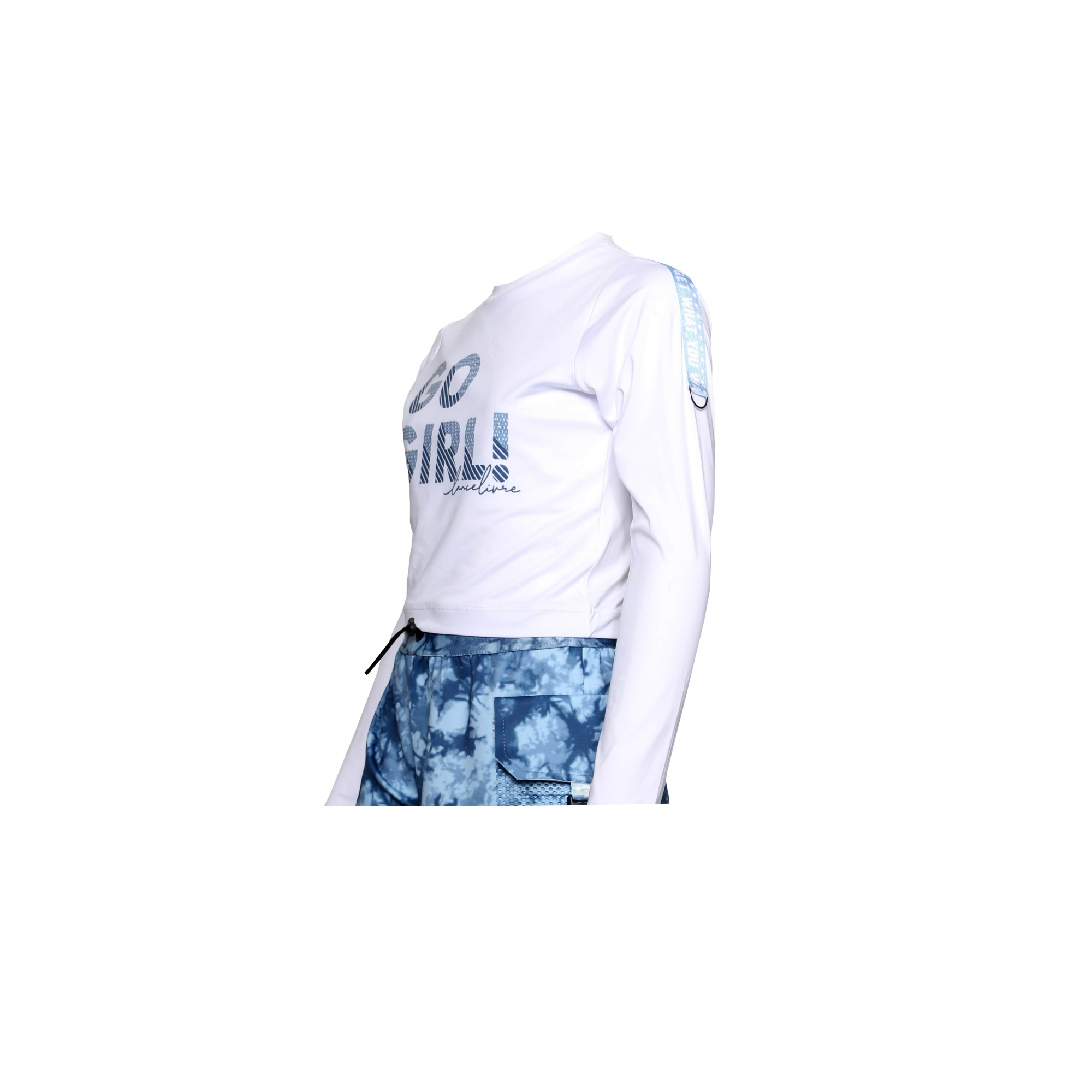 Conjunto Blusa Branca e Short Estampado