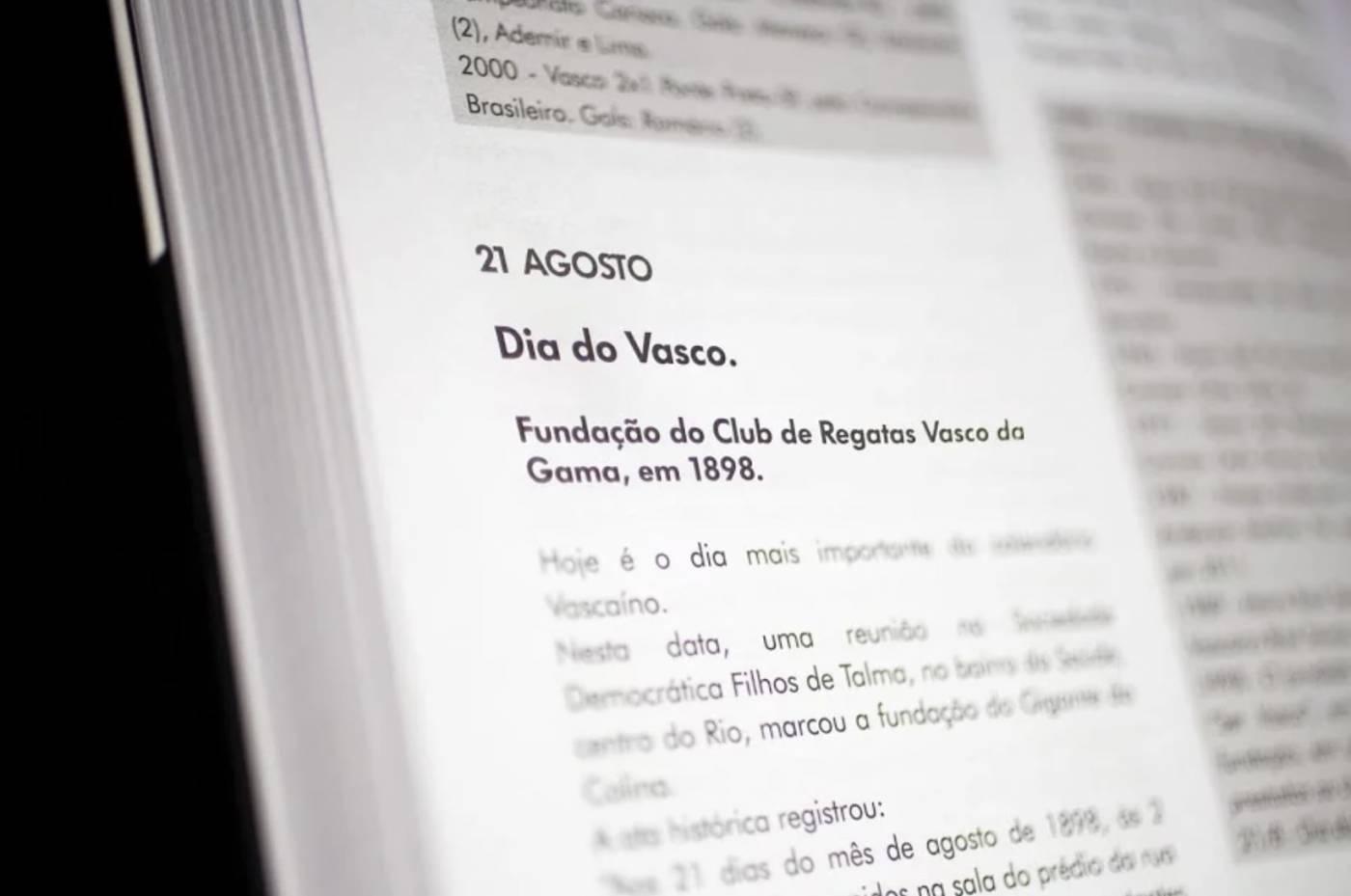 Livro Hoje É Dia de Vasco!