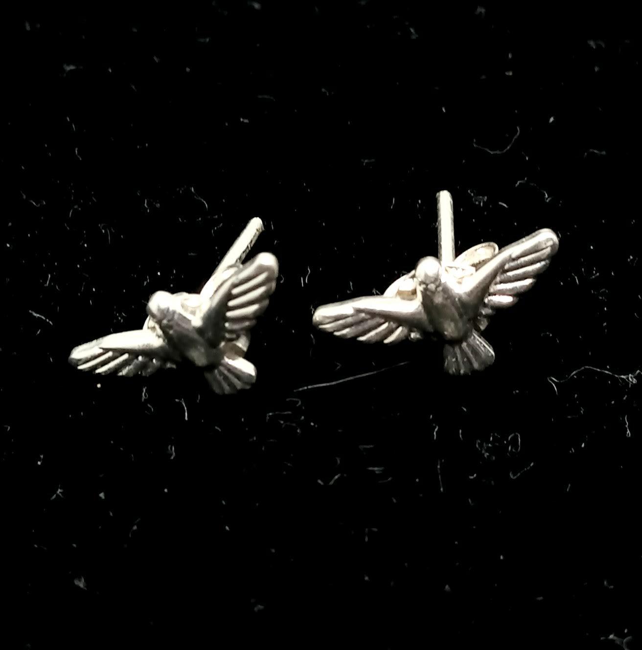 Brinco Pássaro Passarinho Banhado a Prata 1,2cm