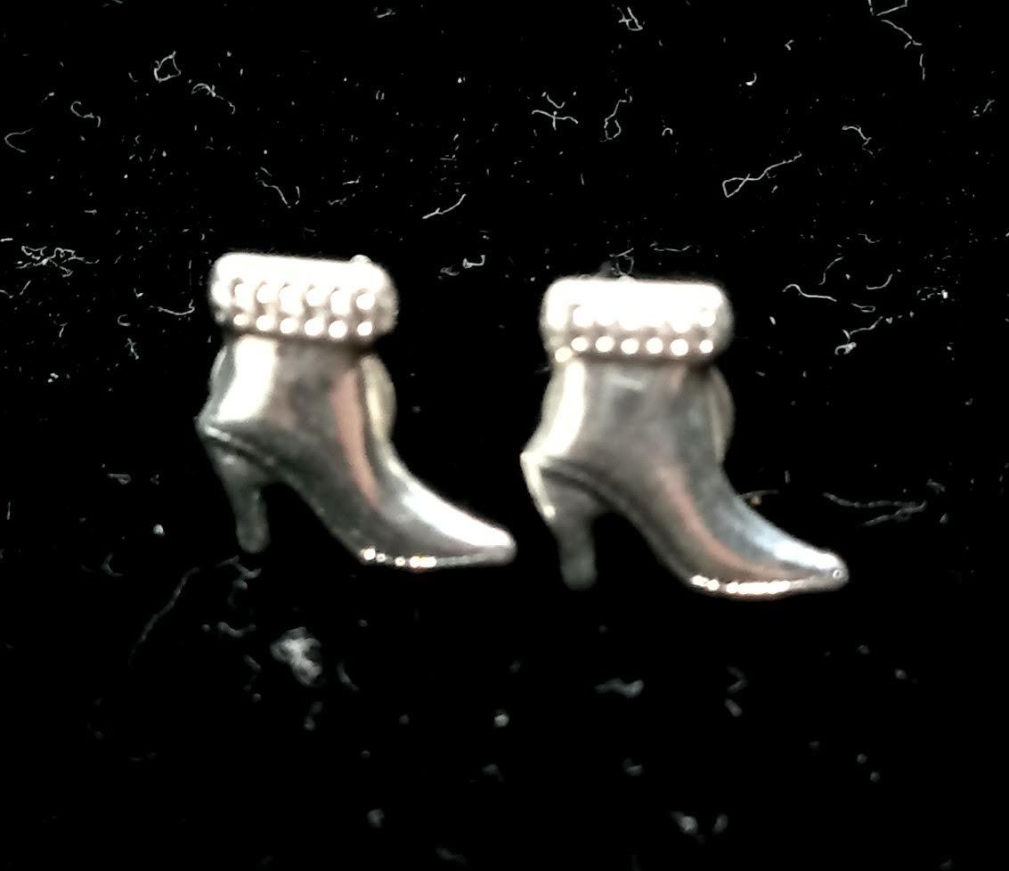 Brinco Pequeno Sapato Salto Banhado a Prata 9mm