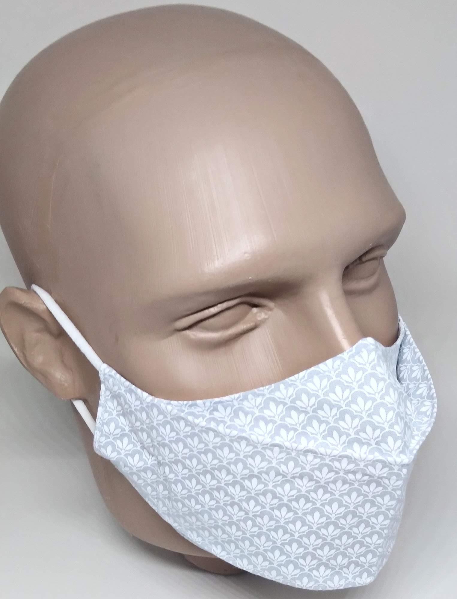 Máscara 3D Algodão Cinza Flor de Lírio Branco