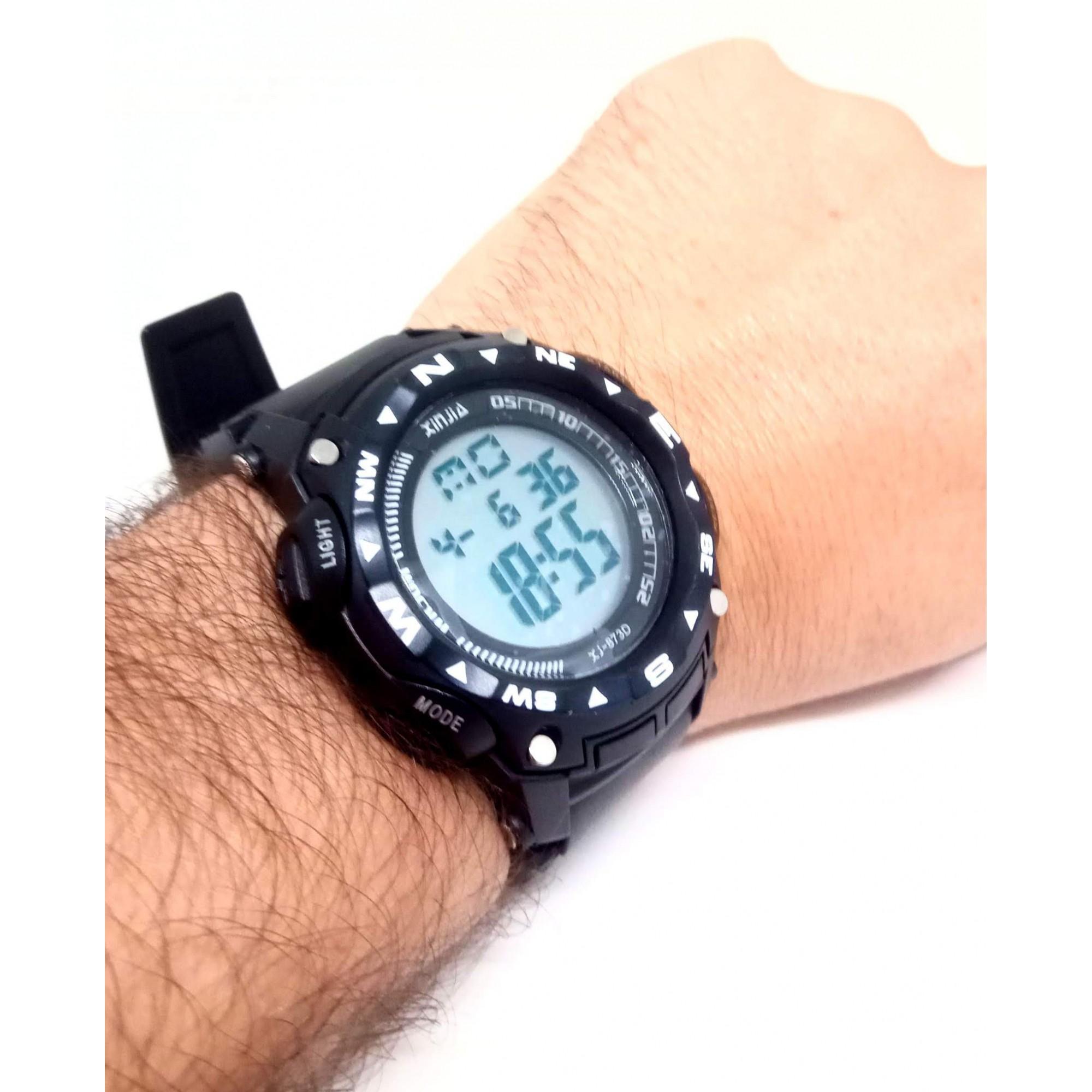 Relógio Masculino Esportivo a prova dagua Xinjia Xj873d
