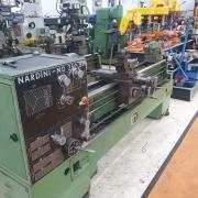 Torno Mecanico Nardini Nodus ND-250 BE, Diametro 500mm Comprimento 1,800mm entre pontas, Placa 250mm 4 Castanhas Auto-Centrante, Refrigeracao, Luminaria - 220V - Usado - Conservado