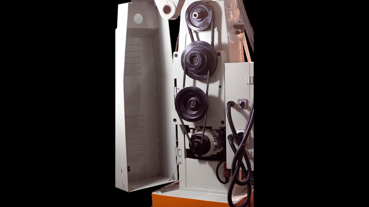 Fresadora Ferramenteira Engrenada Atlasmaq FER-XZ7550CW - Produto Novo  - Atlasmaq