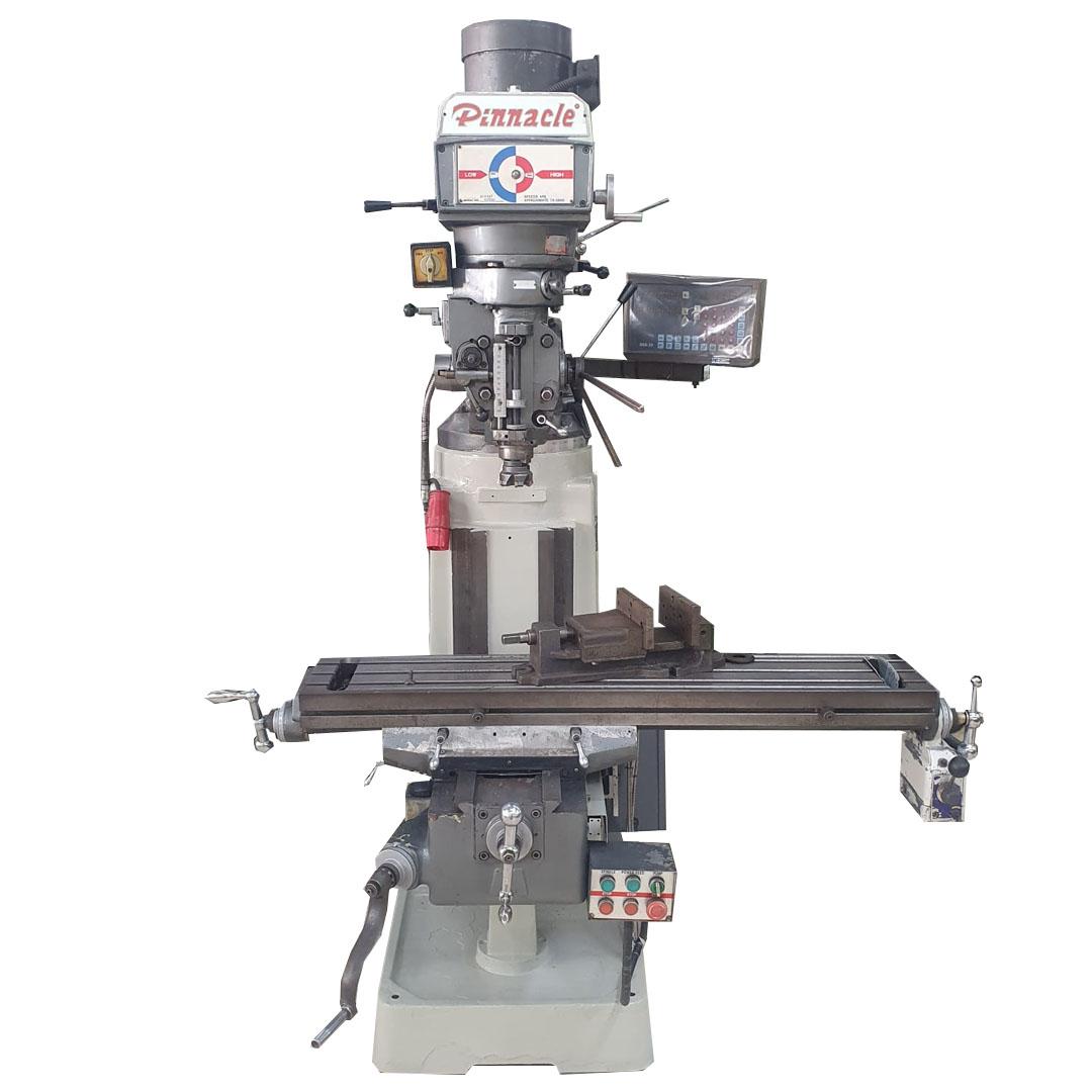 Fresadora Ferramenteira Pinaccle, ISO-30, Mesa 1250mm x 230mm, Com digital, Mangote Automatico, Avanco Automatico no eixo X da Mesa - Usada - Conservada  - Atlasmaq