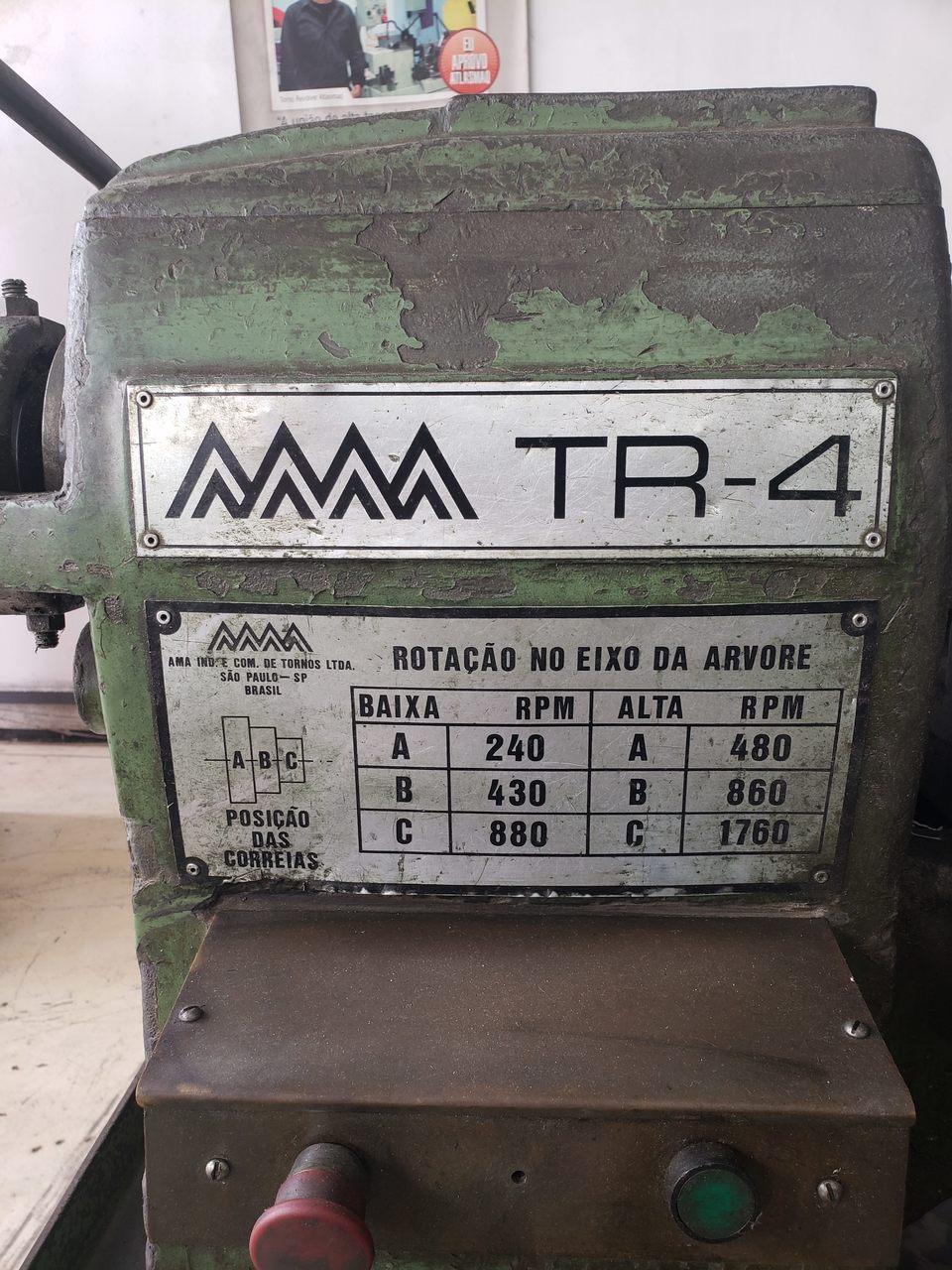 Torno Revolver, Marca Ama, Modelo TR-4, passagem 1.1/2, Castelo 6 ferramentas, Carro transversal , Sem porta ferramentas - 220V - Pintura Original, com Alimentador (Usado)  - Atlasmaq