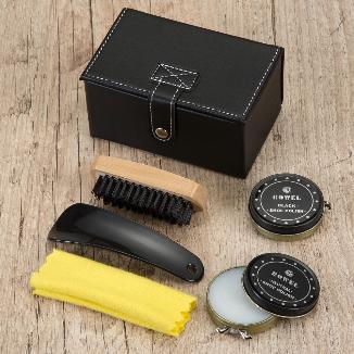 Kit engraxate estojo em couro sintético com 5 peças