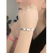 Bracelete H Cravejado banhado em Ródio Branco