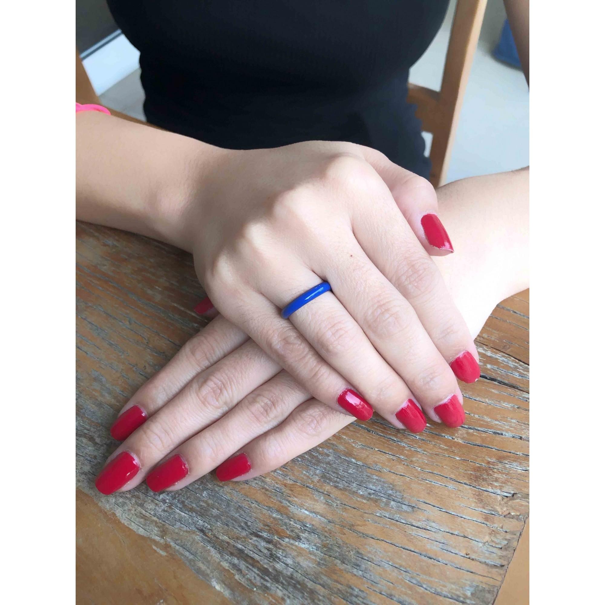 Anel Esmaltado Liso Azul banhado em Ródio Negro