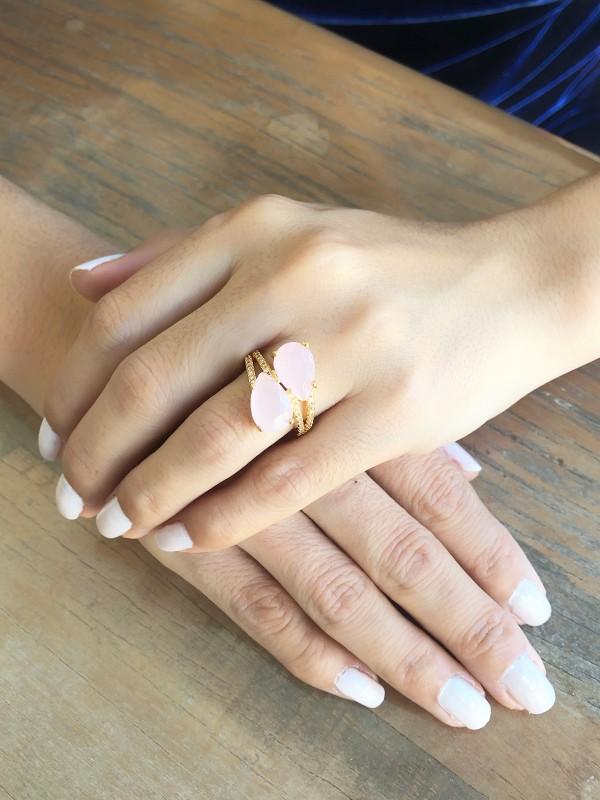 Anel Gota Com Zirconia Cristal e Rosa Leitoso banhado em Ouro 18K