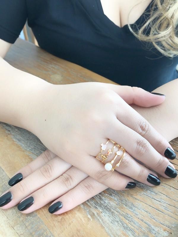 Anel Love com Pérola e Zircônia Rosa Leitosa banhado em Ouro 18K