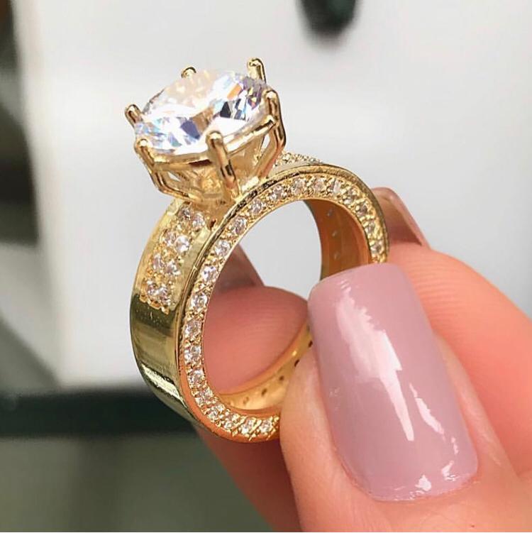 Anel Solitário com Zircônia Cristal Cravejado banhado em Ouro 18K