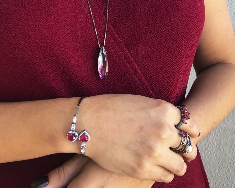 Bracelete com Zircônia Rubi e Cristal Banhado em Ródio Negro