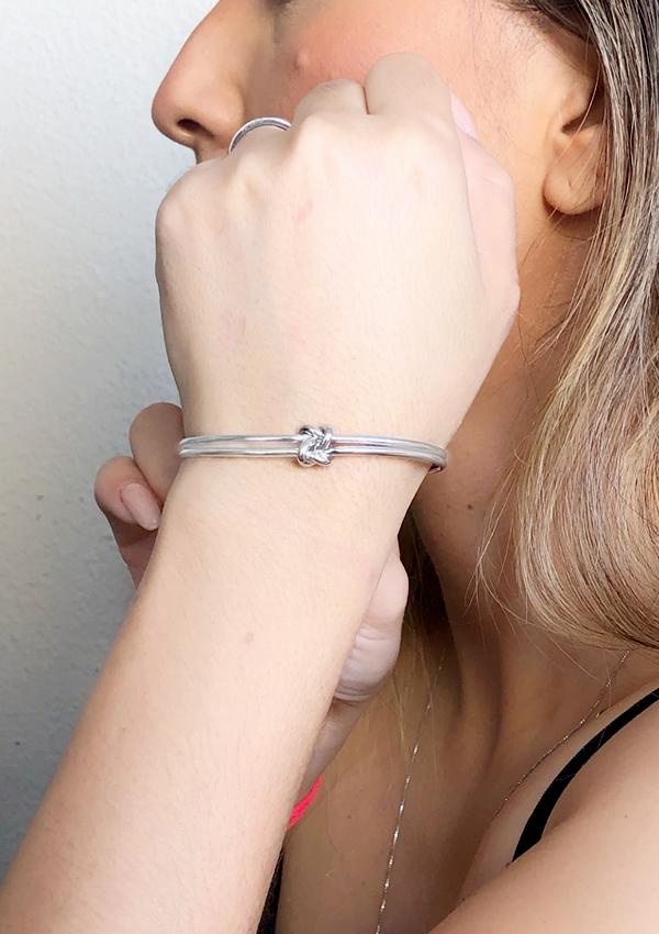 Bracelete Nó Duplo banhado em Ouro 18K