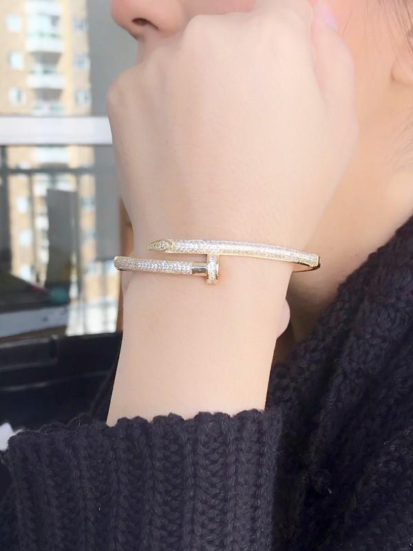 Bracelete Prego Cravejado banhado em Ouro 18K