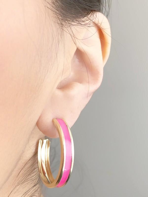 Brinco Argola com Resina Pink banhado em Ouro 18K