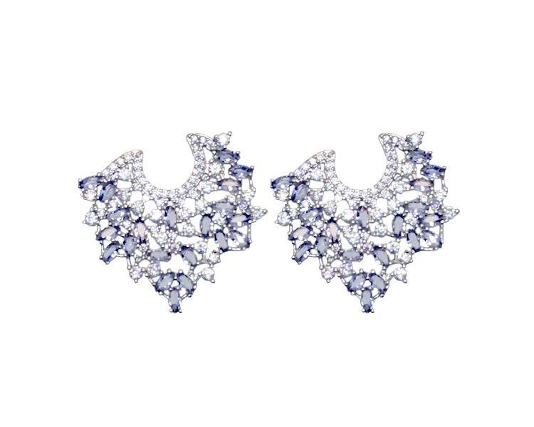 Brinco Deluxa com Zircônia Cristal e Lilás Banhado em Ródio Branco