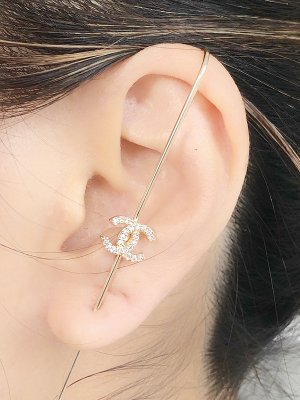 Brinco EarPin Chanel banhado em Ouro 18K