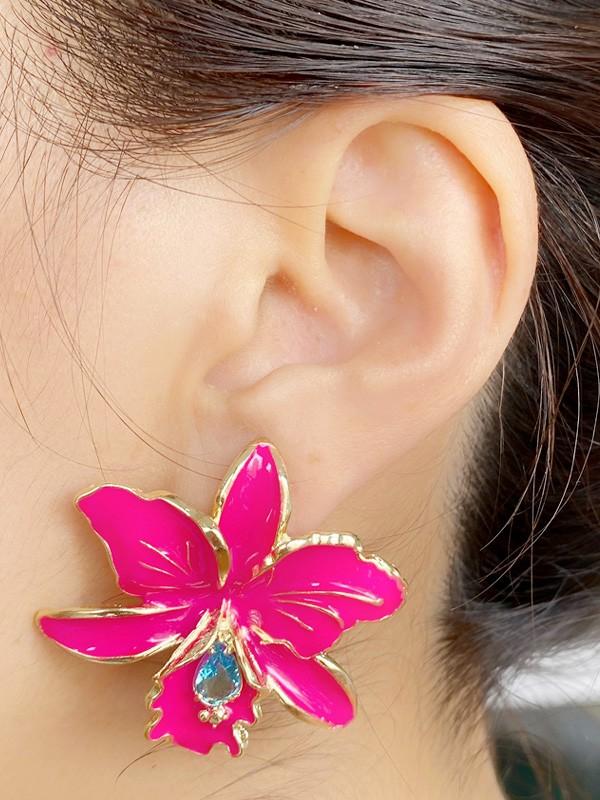 Brinco Flor Esmaltada Pink com Zirconia Acqua banhado em Ouro 18K