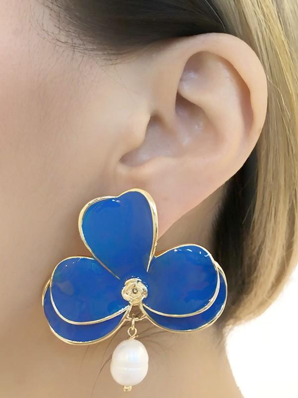 Brinco Orquidea G Azul banhado em Ouro 18K