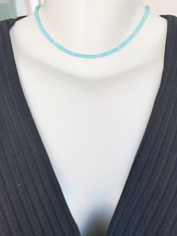 Choker Cristal Azul banhado em Ródio Branco