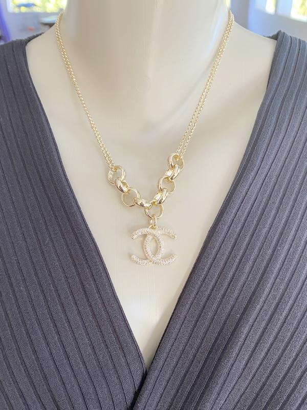 Colar Chanel Cravejado banhado em Ouro 18K