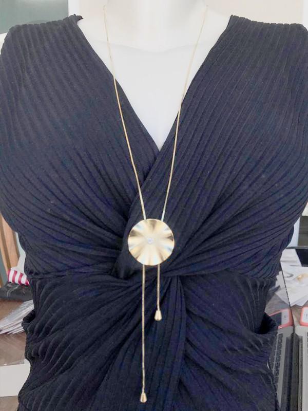 Colar Gravata Chapa Com Ponto De Luz banhado em Ouro 18K