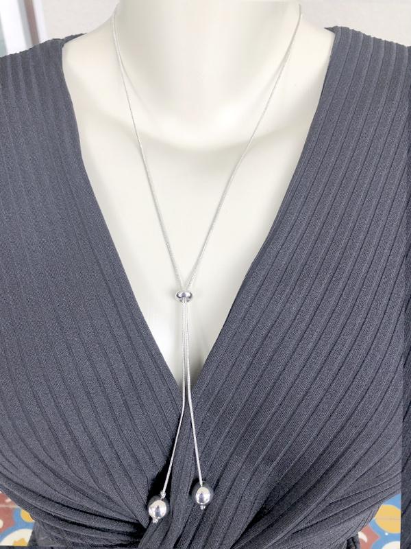 Colar Gravatinha Esfera banhado em Ouro 18K/Ródio Branco