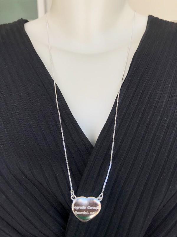 Escapulário Sagrado Coração Madreprola com Zirconias Cristal banhado em Rodio Branco