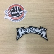 Bordado Motivo Harley Davidson Curvo - Branco - 15 cm x 4,5 cm - 022/50705