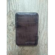 Carteira Em Couro Compacta com Elástico - Modelo Bar & Shield - Bifold - Marrom - 022/84507