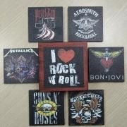 Porta Copos Artesanal em Madeira - Motivos Bandas de Rock I - Quadrados - 6 unidades - 022/70160