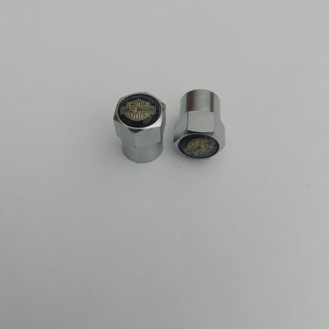 Bicos de Pneu - Modelo Bar & Shield Preto / Dourado - HD Original - Multifit - Par - 019/68006