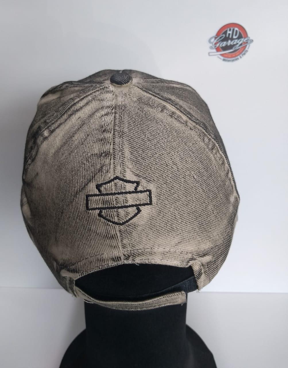 Boné Creme Efeito Engraxado - Motivo Bar & Shield Peq.- 024/98202