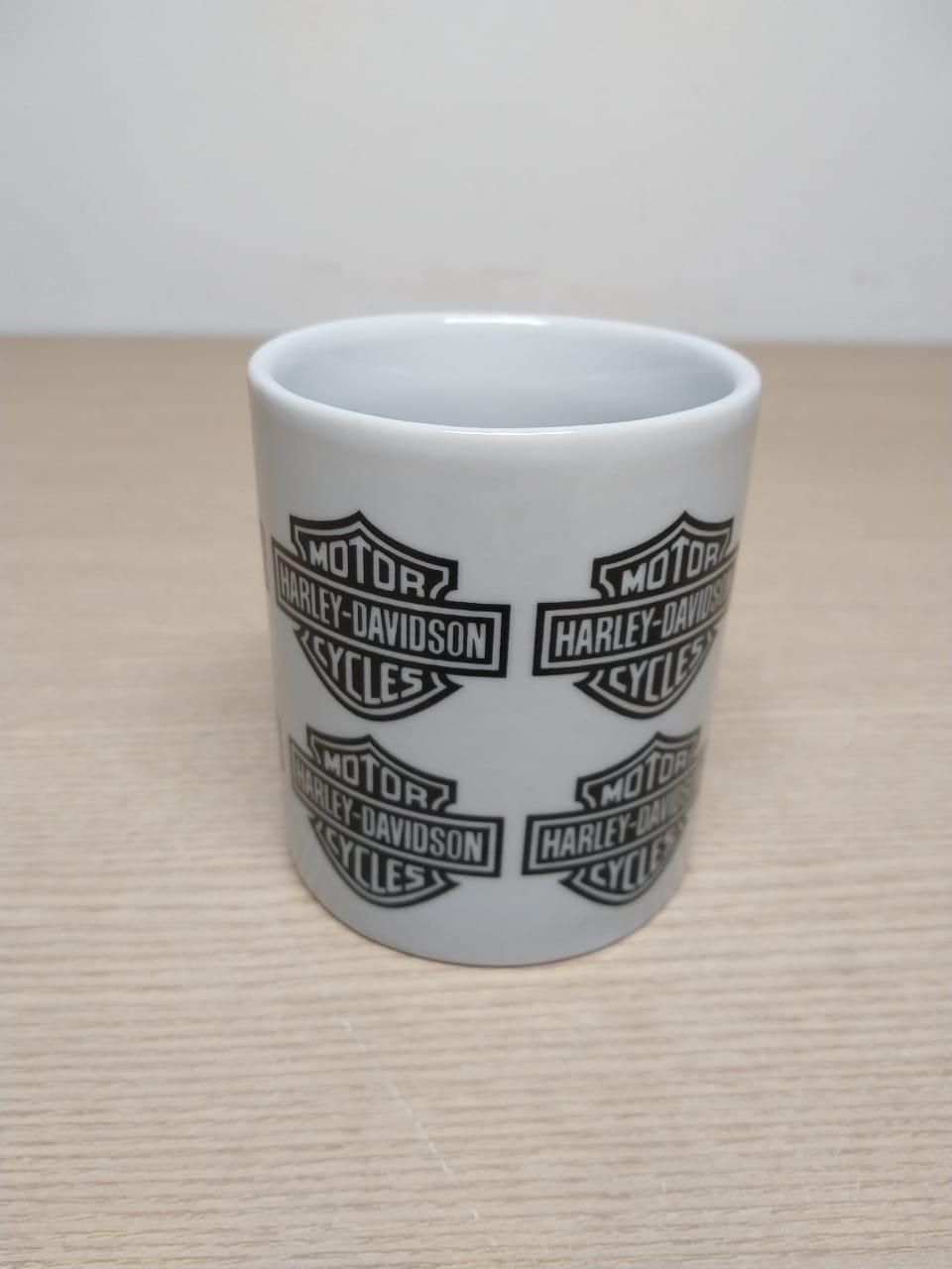 Caneca em Porcelana Branca - Motivo Bar & Shield - Vários - 022/87000